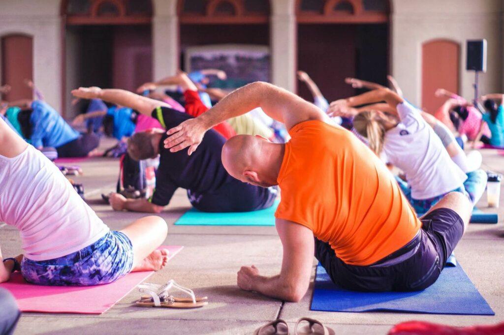 Как открыть студию йоги